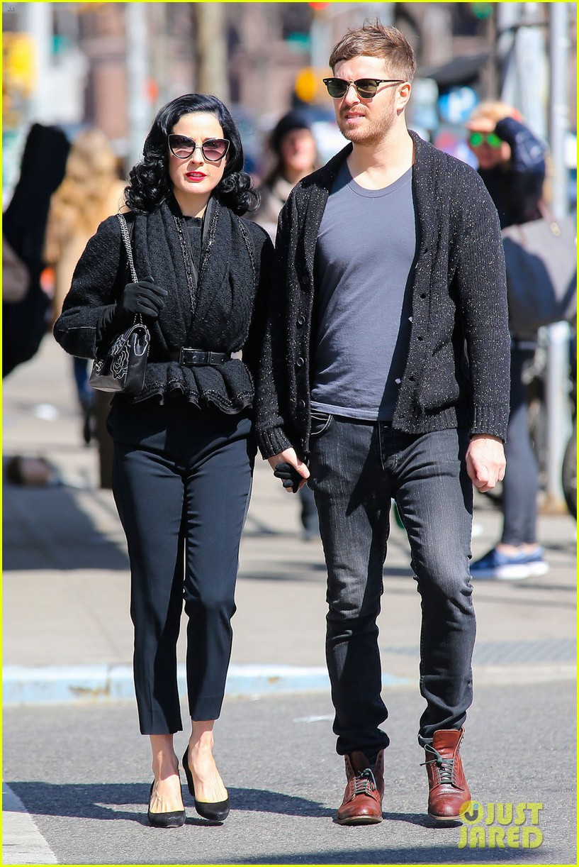 dita von teese holds hands with mystery man nyc 043072954