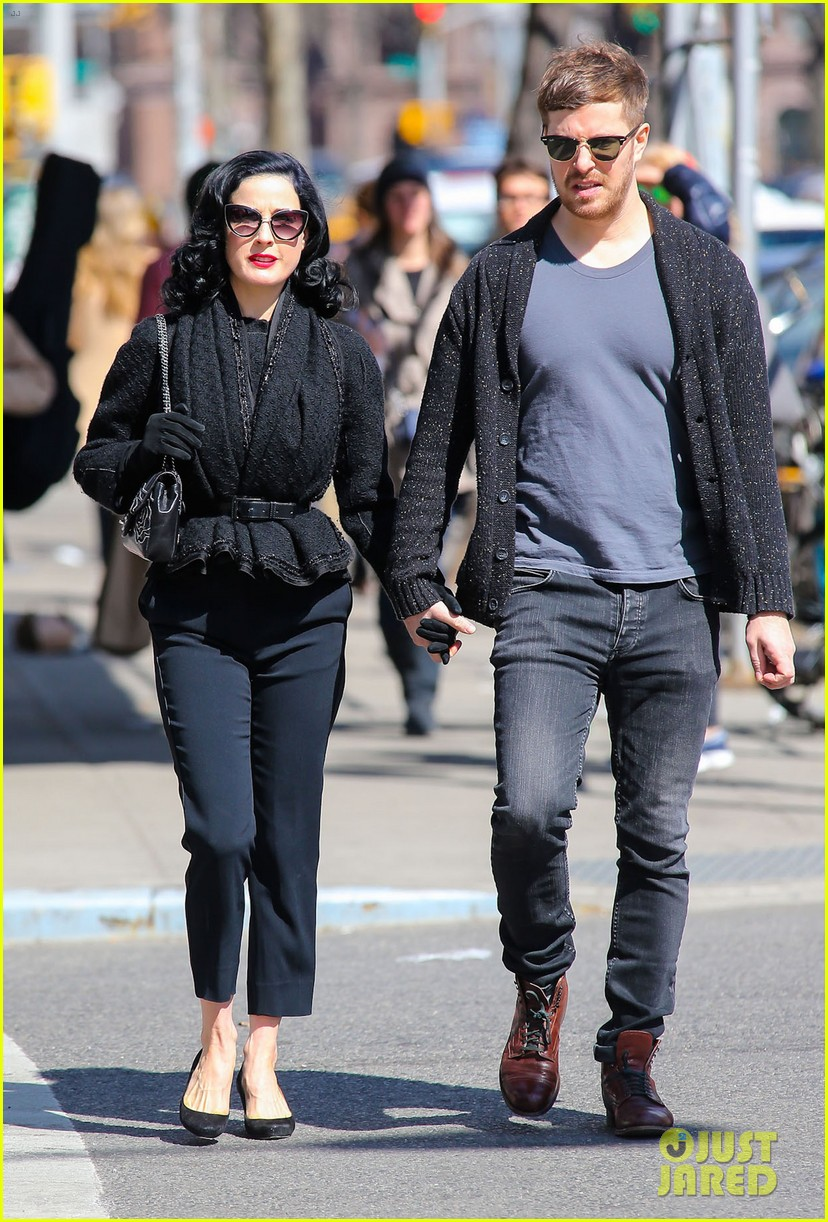 dita von teese holds hands with mystery man nyc 073072957