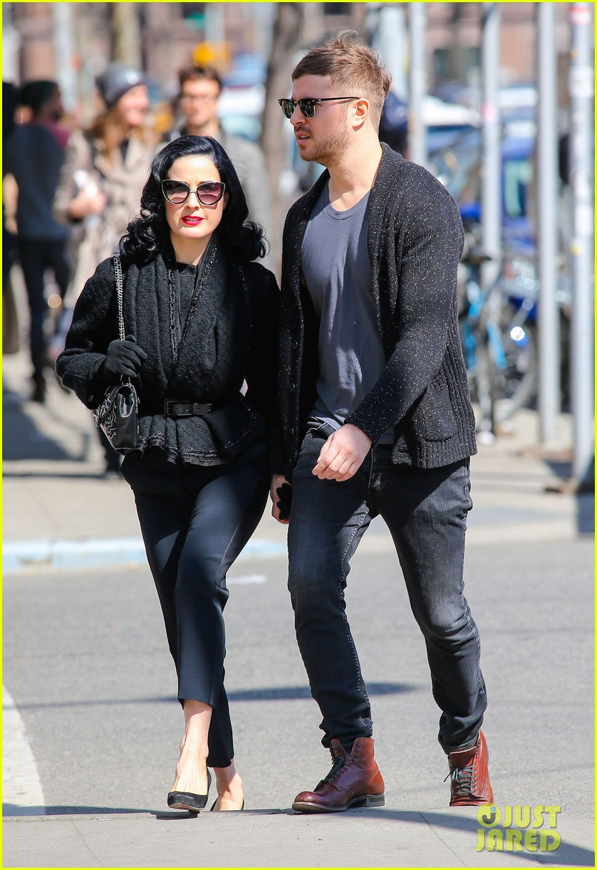 dita von teese holds hands with mystery man nyc 083072958