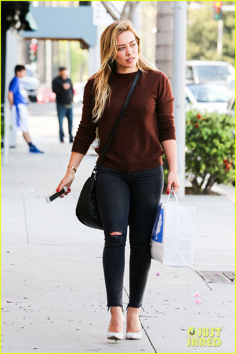 hilary duff reveals lyrics to upcoming new unreleased song 083079594