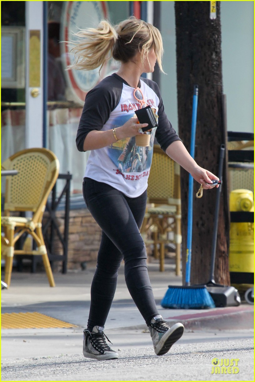 hilary duff heavy metal band iron maiden makes my day 113066164