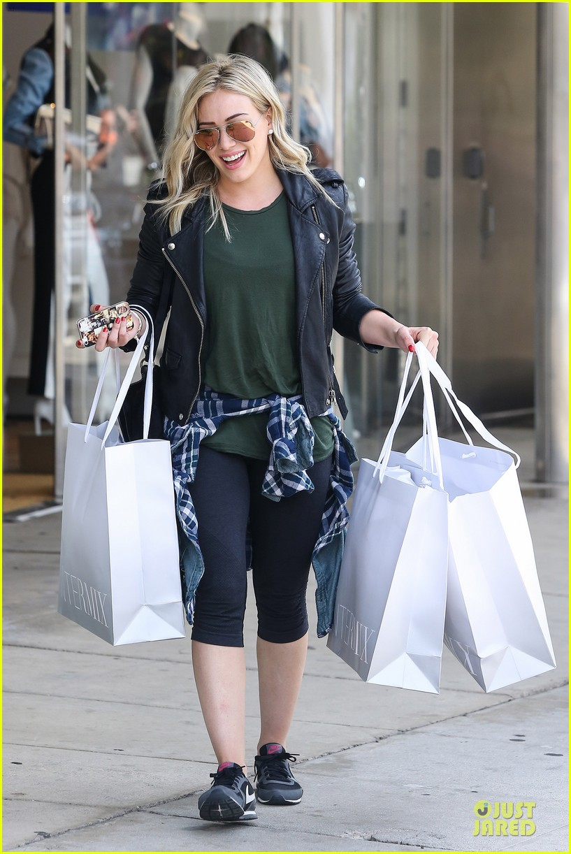 hilary duff brings music with record deal 06