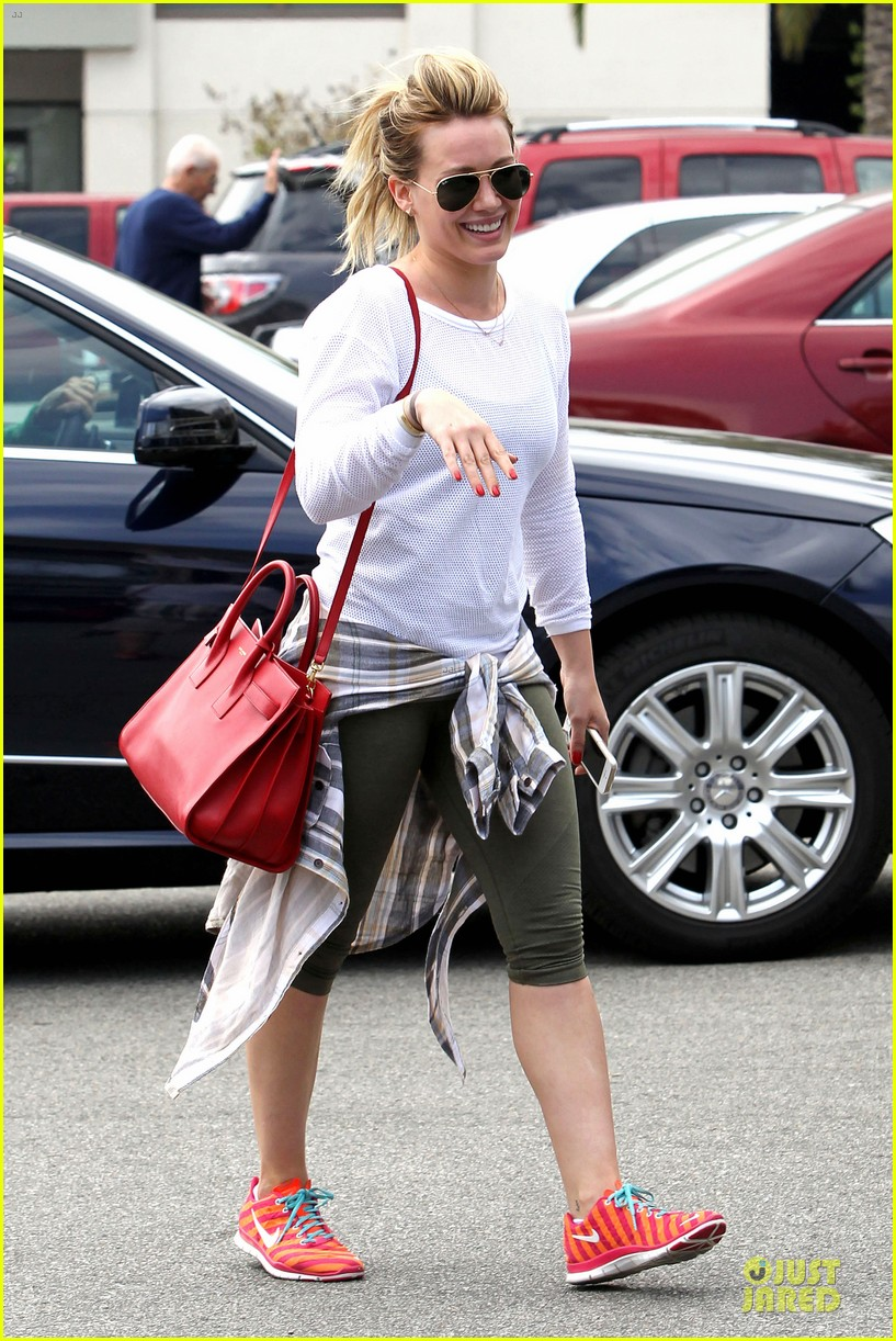 hilary duff stylish with red 073076522