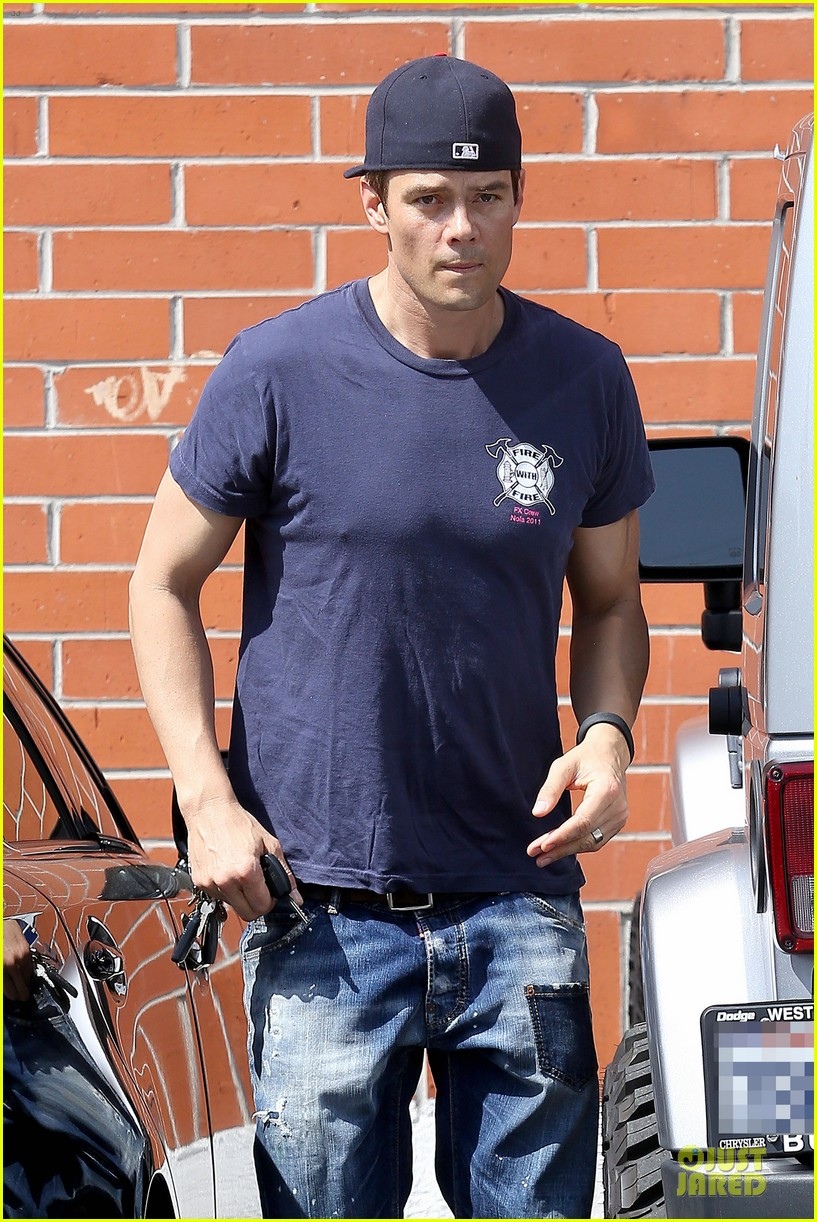 josh duhamel cant get enough of early world 023081860