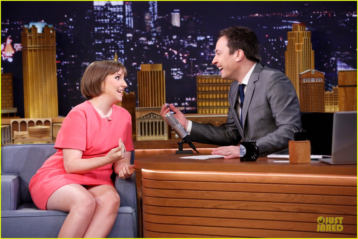 lena dunham hugh dancy play pyramid on tonight show 06