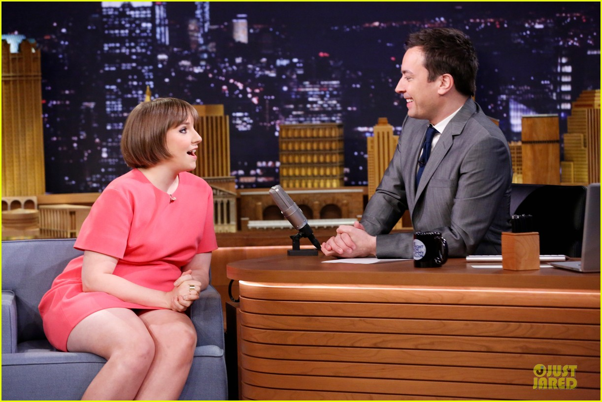 lena dunham hugh dancy play pyramid on tonight show 073074303