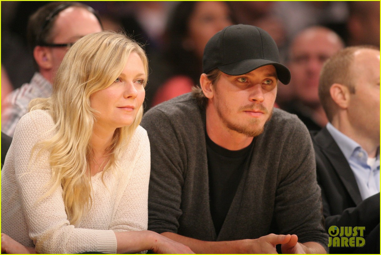 when did garrett hedlund and kirsten dunst start dating