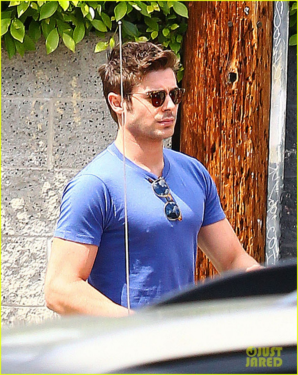 zac efron tight blue shirt 07