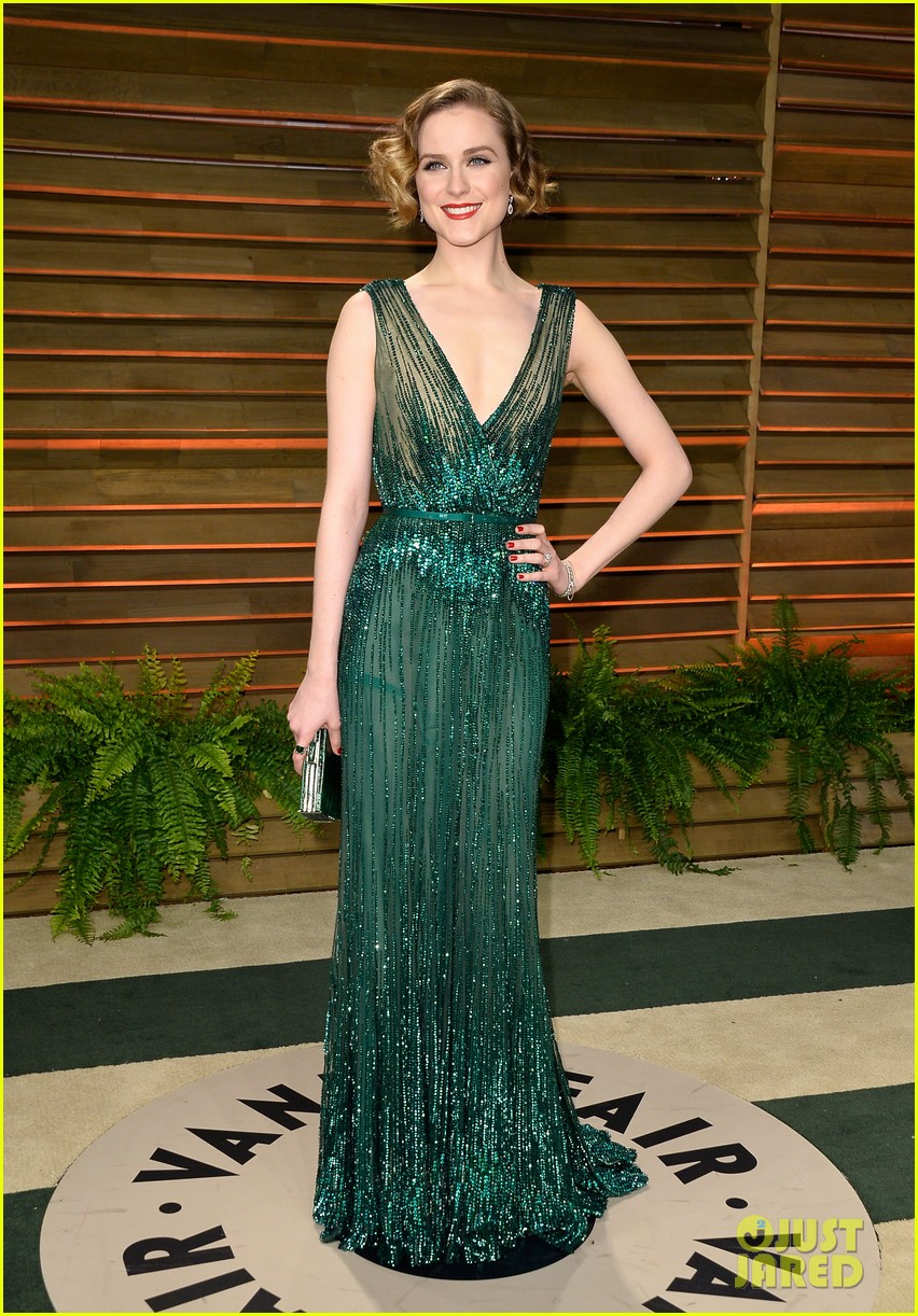 evan rachel wood channels old hollywood for vanity fair oscars party 2014 033064327