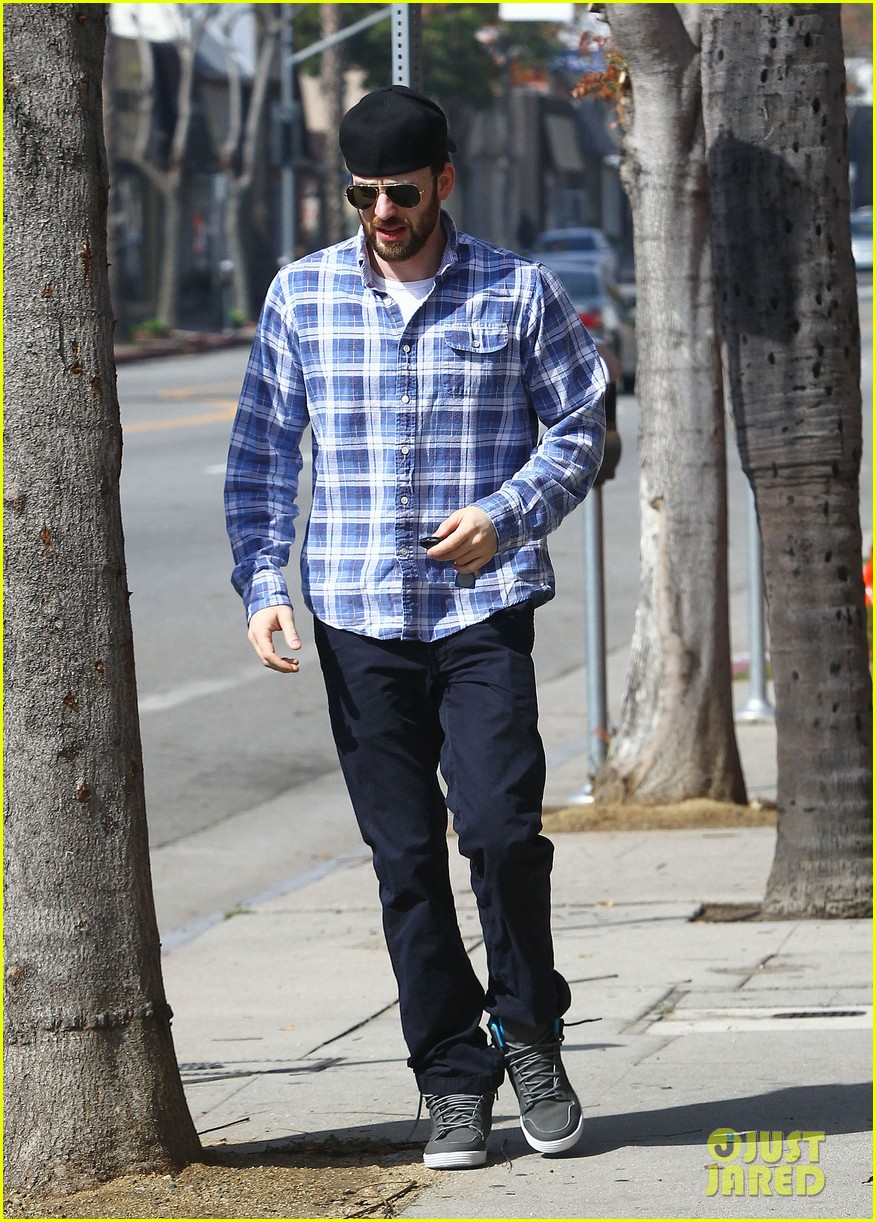 chris evans taking a break from acting after completing marvel roles 053066613