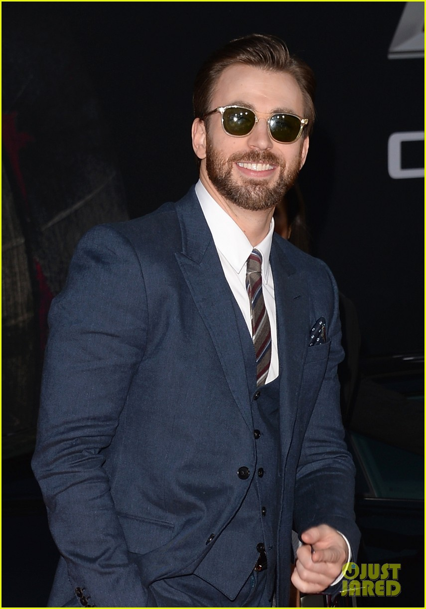 chris evans emily vancamp captain america premiere 013071631