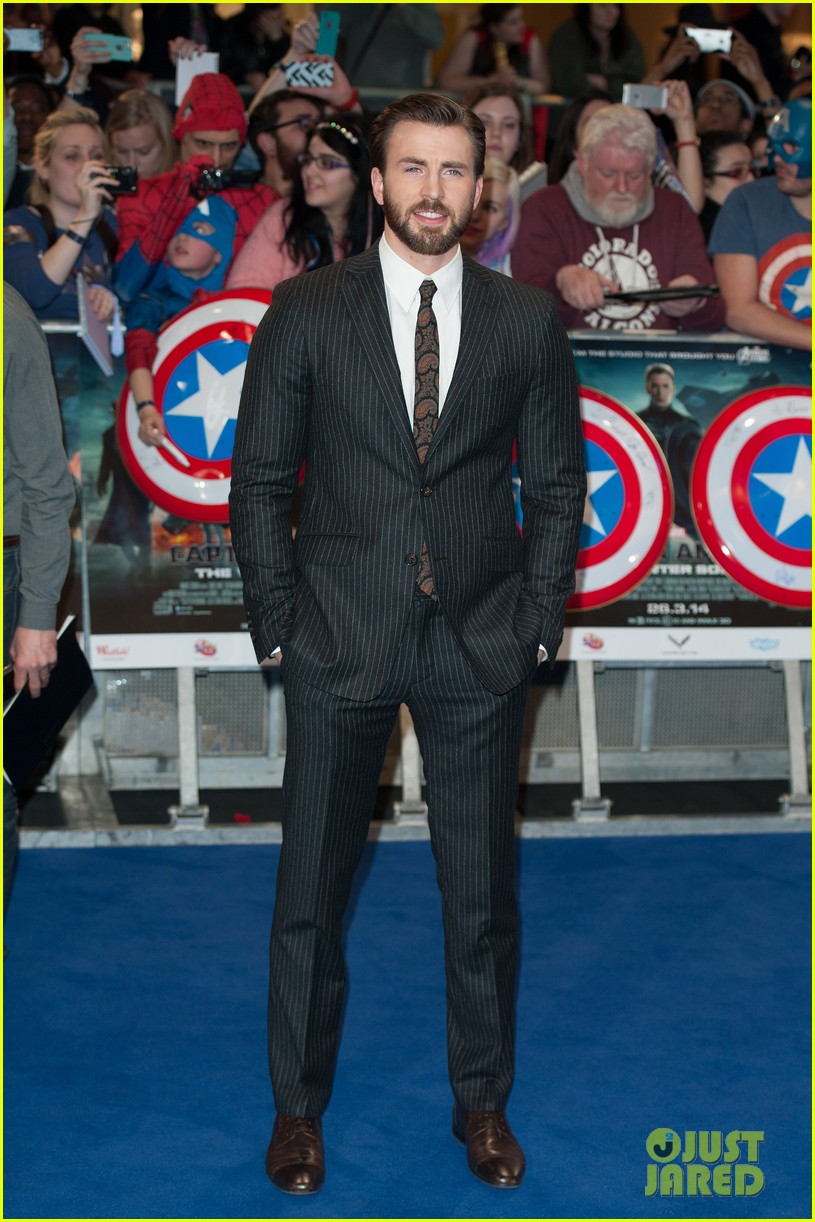 chris evans sebastian stan are two dapper dudes at captain america 2 premiere 013075494