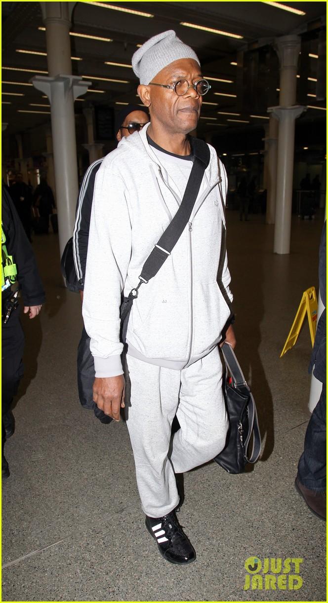 chris evans makes us swoon as he arrives in london 083074935