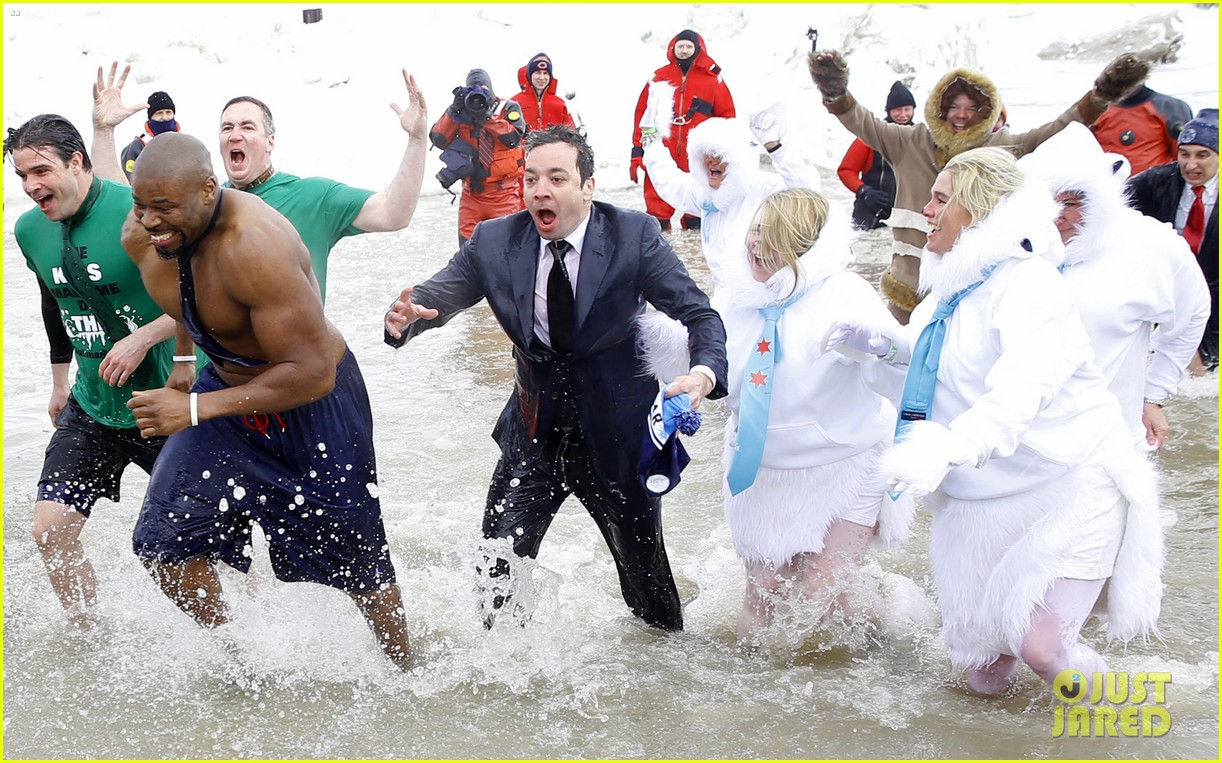 jimmy fallon takes the polar plunge in chicago 09