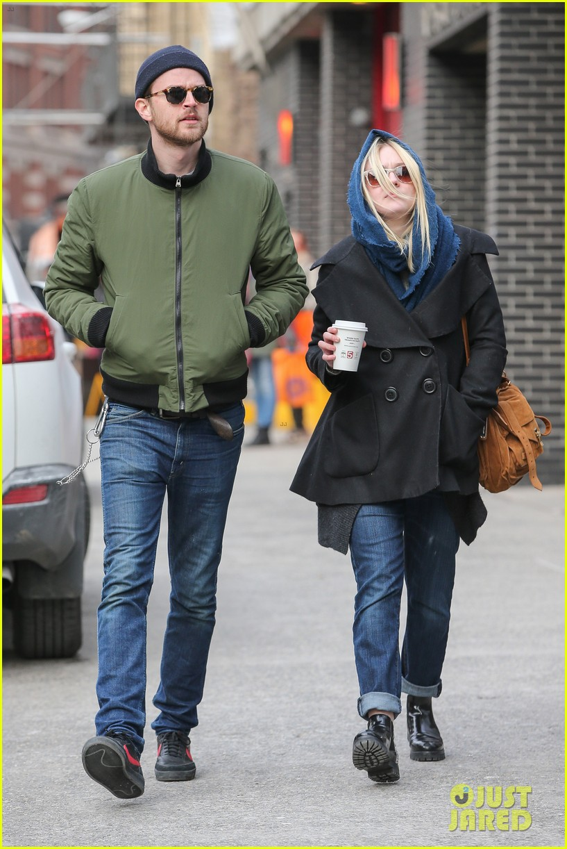 dakota fanning heading to nevada soon for new film 213066758