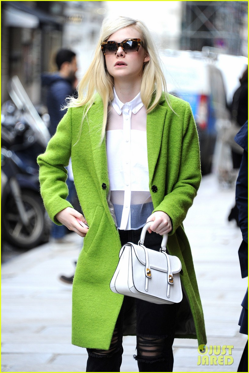 dakota elle fanning are chic sisters on separate continents 143067543