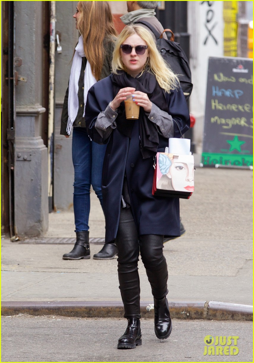 dakota fanning i love my stylist but hate trying on clothes 053074809
