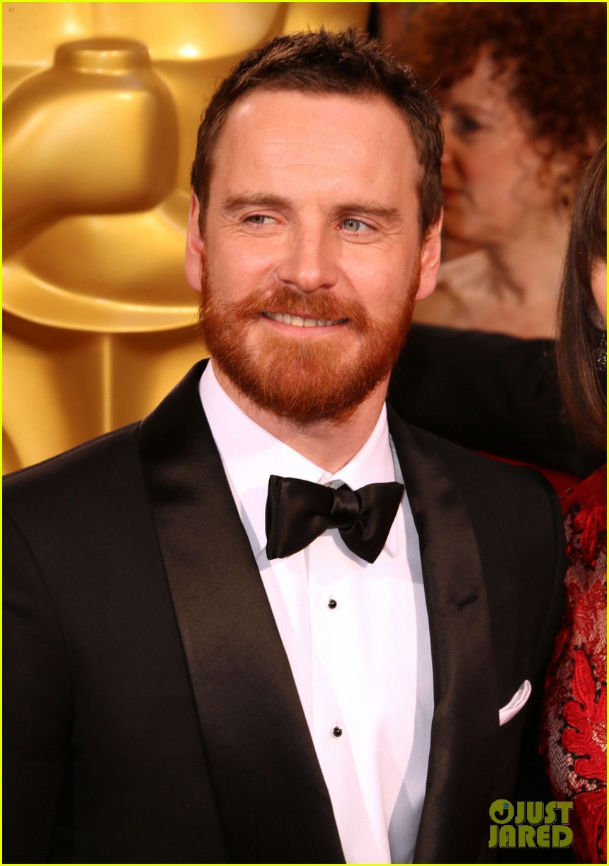 michael fassbender takes his mom to the oscars 2014 033064145