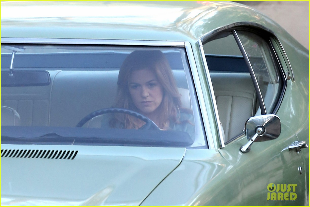 isla fisher is pregnant for her new movie visions 213071997