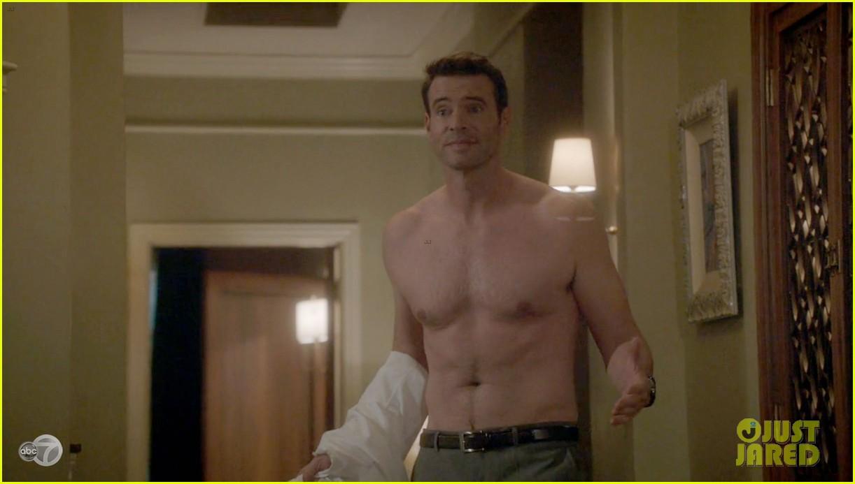 scott foley shirtless on scandal 013068520