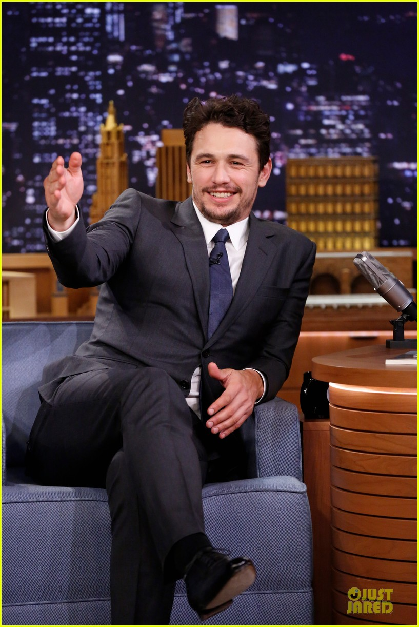 james franco likes to spread love with happiness 033072322