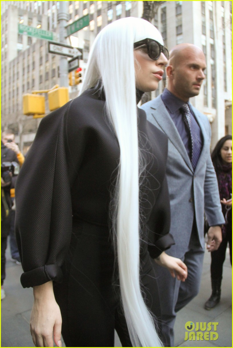 lady gaga gives her fans a special preview at guy video 023076059