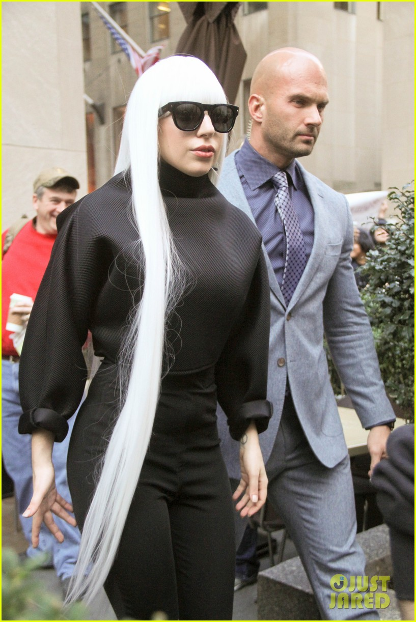 lady gaga gives her fans a special preview at guy video 063076063