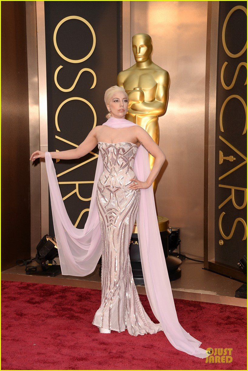 lady gaga metallic goddess on the oscars 2014 red carpet 043063939