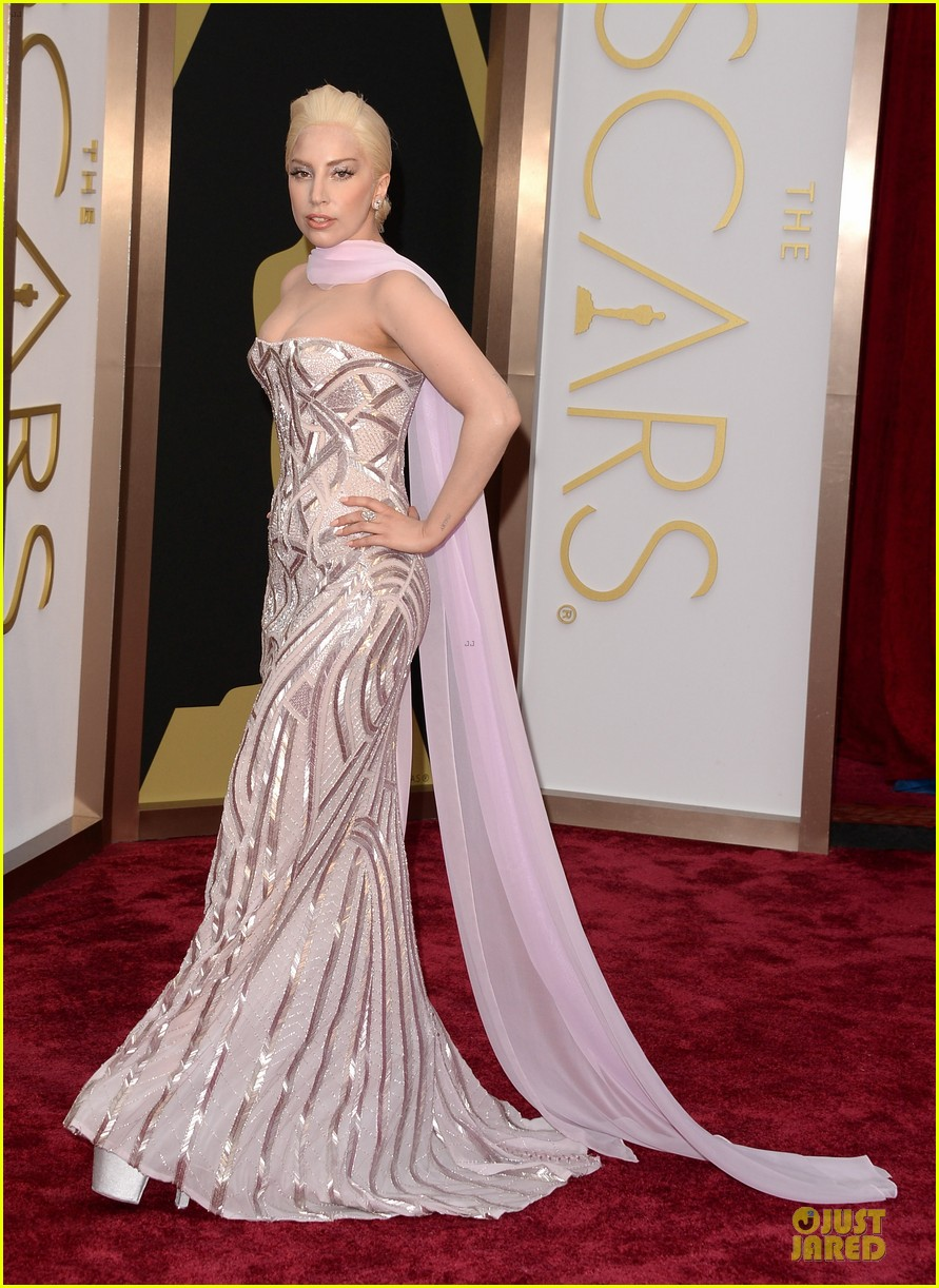 lady gaga metallic goddess on the oscars 2014 red carpet 053063940