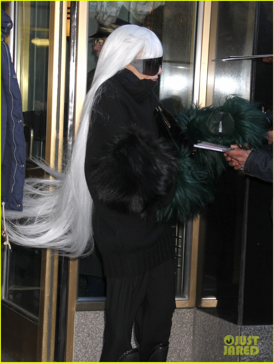 lady gaga vaccuums her sinuses away 203079086
