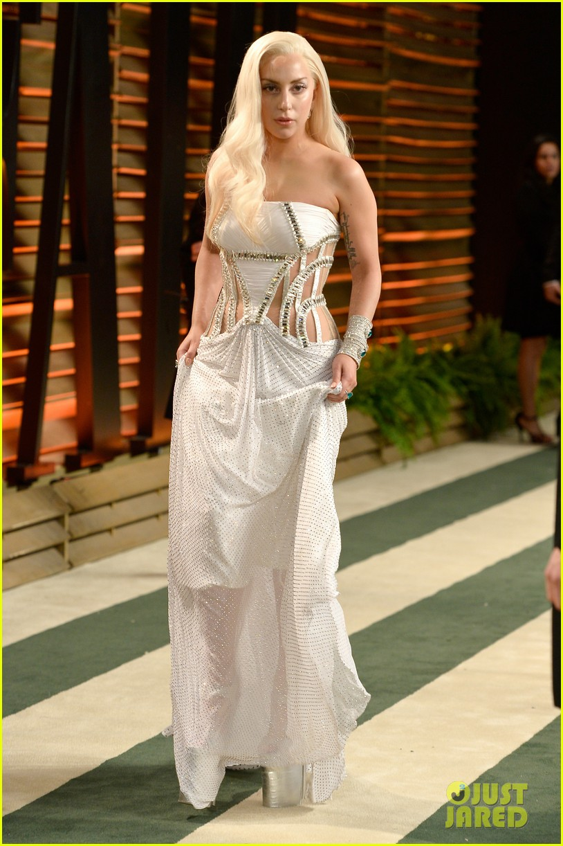 lady gaga switches dress for vanity fair oscars party 2014 013064399