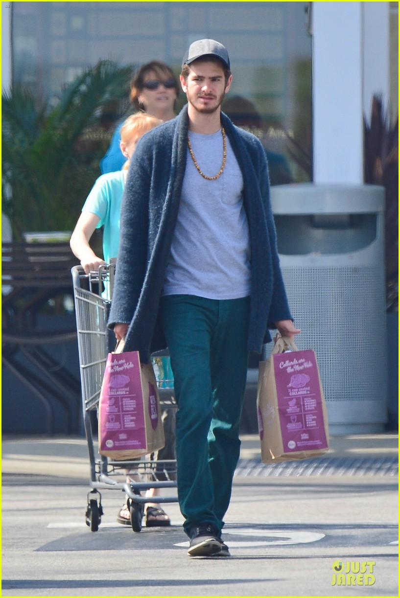 andrew garfield builds mother son chemistry with 99 homes co star laura dern 013068004