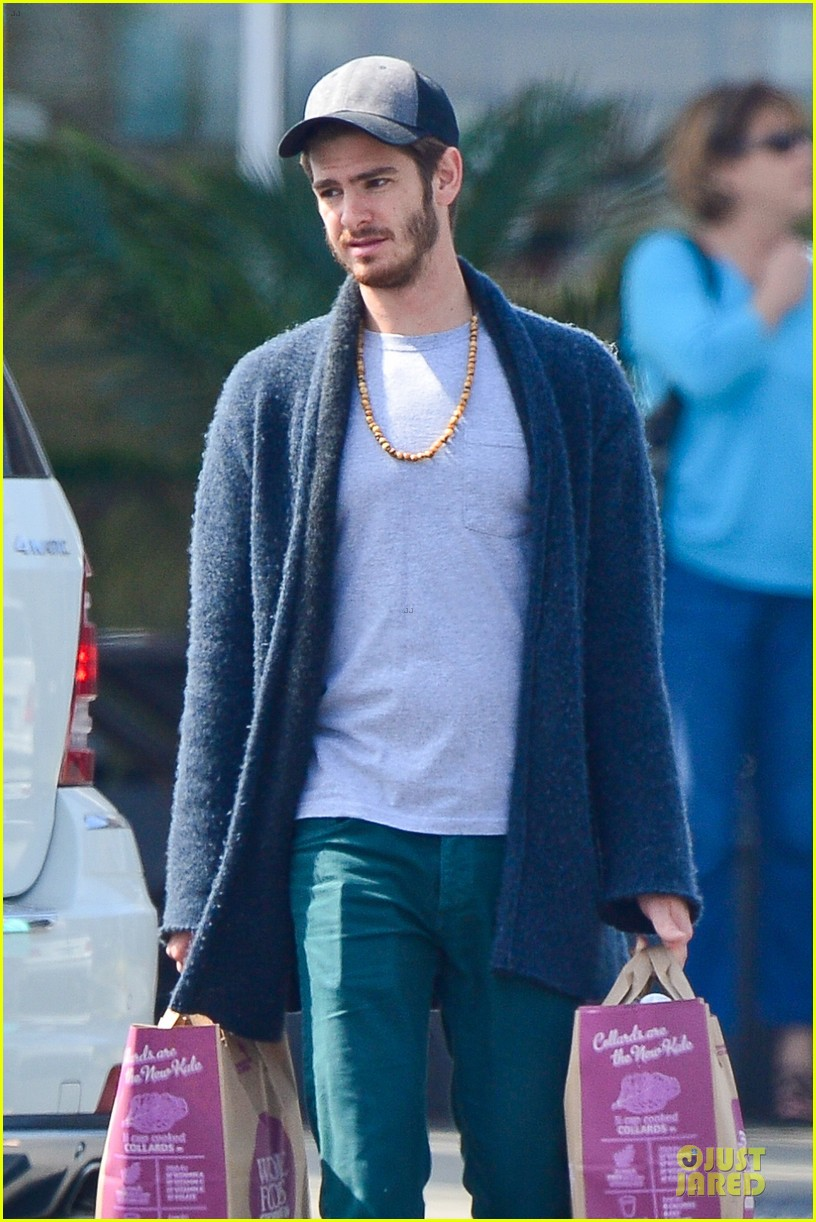 andrew garfield builds mother son chemistry with 99 homes co star laura dern 023068005
