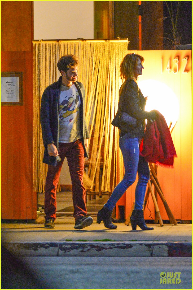 andrew garfield builds mother son chemistry with 99 homes co star laura dern 05