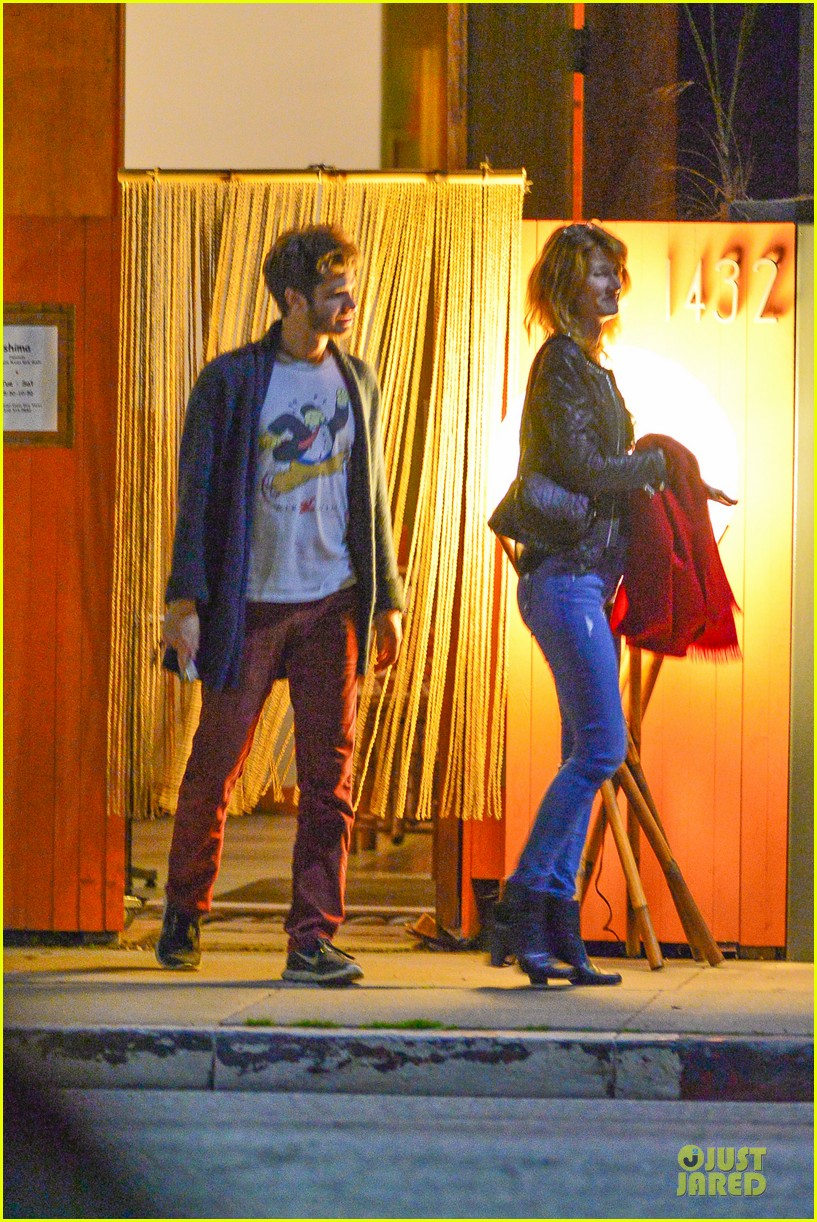 andrew garfield builds mother son chemistry with 99 homes co star laura dern 073068010