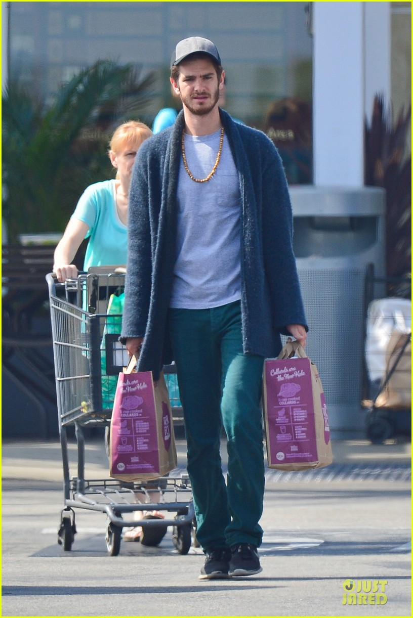 andrew garfield builds mother son chemistry with 99 homes co star laura dern 233068026