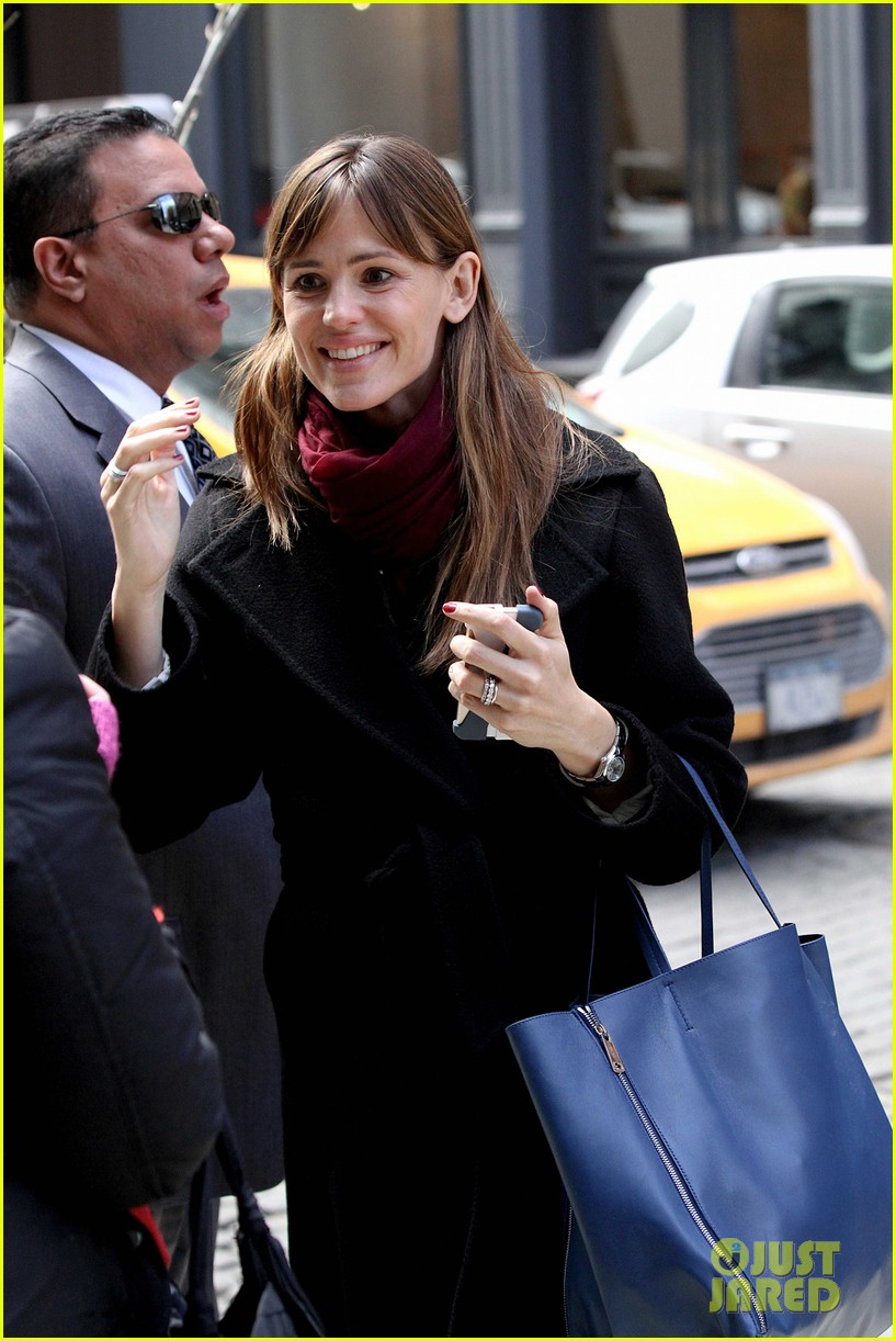 jennifer garner keeps bundled during new york city trip 07