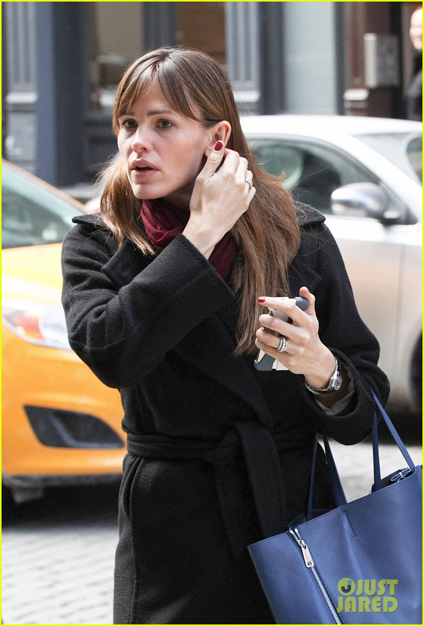 jennifer garner keeps bundled during new york city trip 133067089