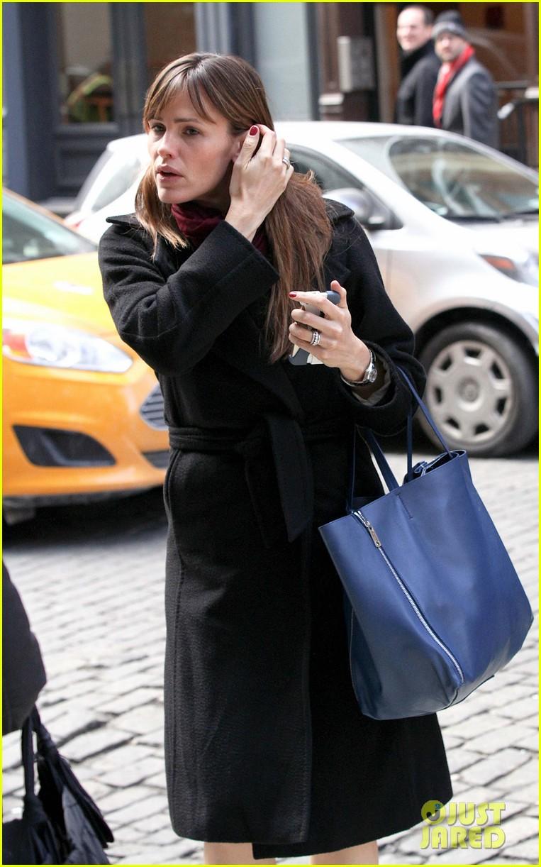jennifer garner keeps bundled during new york city trip 143067090