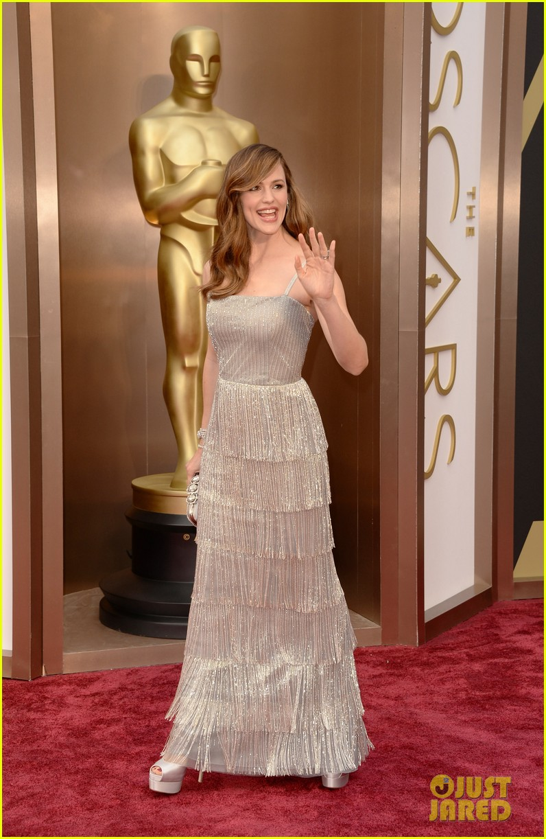 jennifer garner oscars 2014 red carpet 033063923