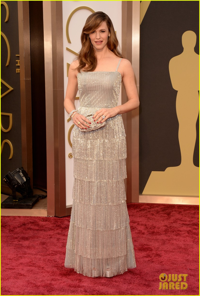 jennifer garner oscars 2014 red carpet 043063924