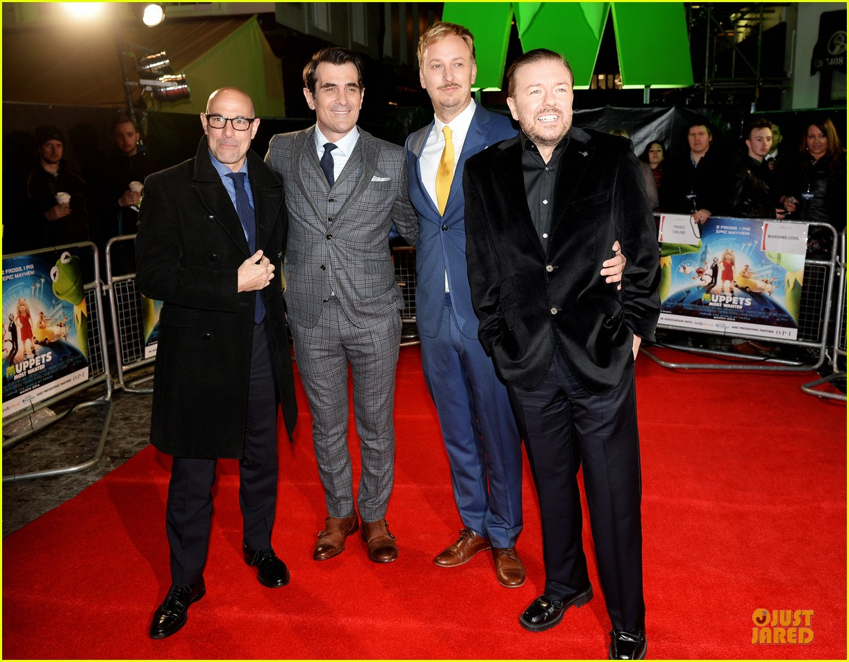 ricky gervais ty burrell look vip at muppets london 013077987