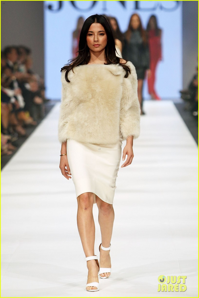 jessica gomes david jones fashion show 093073866