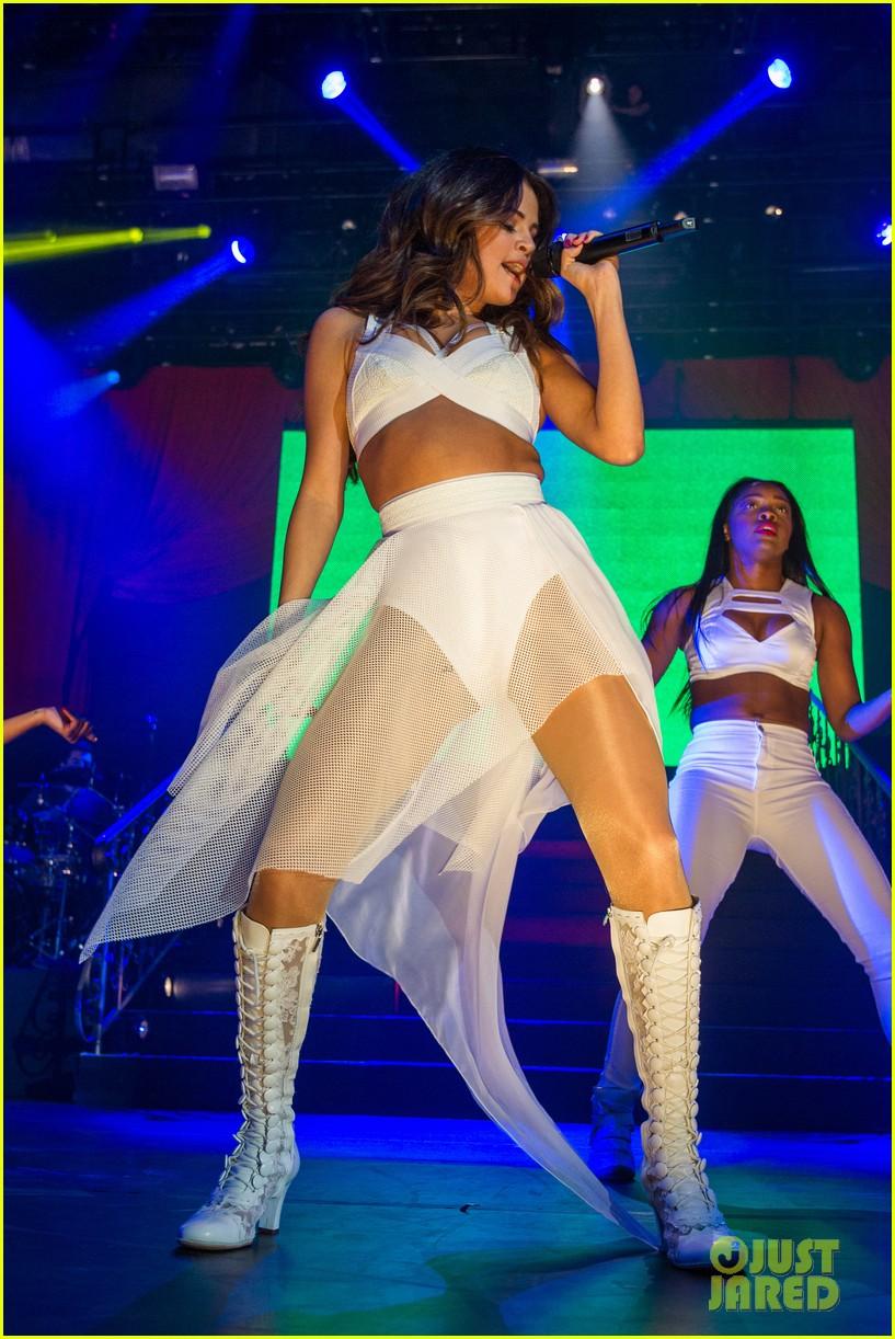 selena gomez borderfest concert photos 053068604