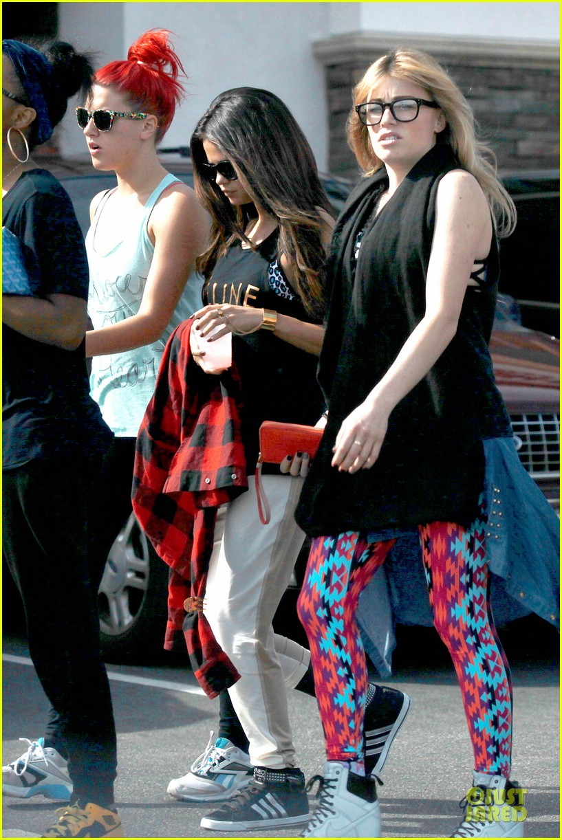 selena gomez is a meowing feline at a dance studio 03