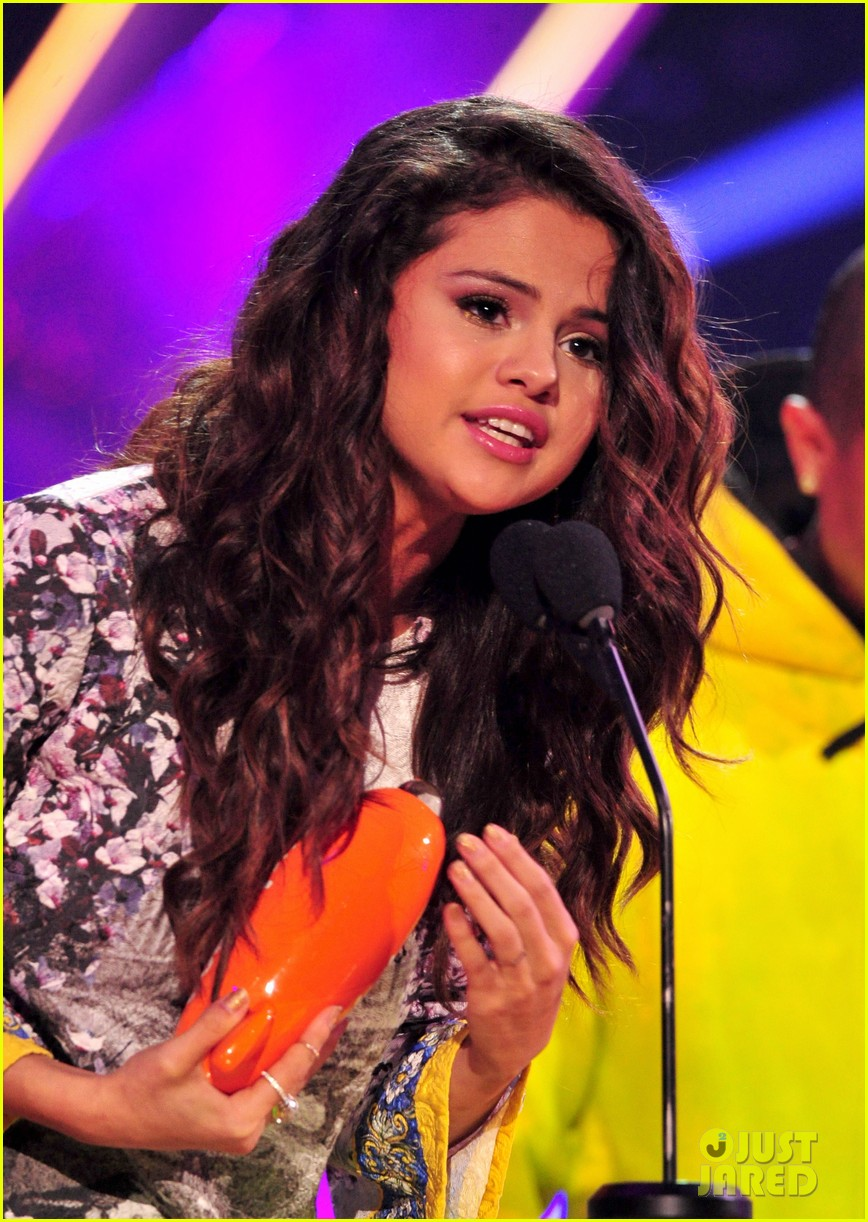 selena gomez kids choice awards 2014 023081297