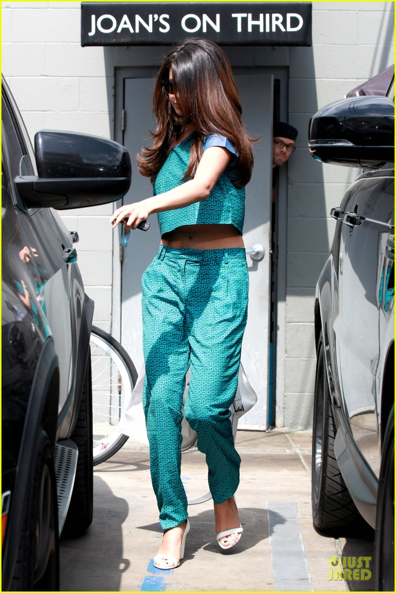 selena gomez naked under curtain see the pic 243076180