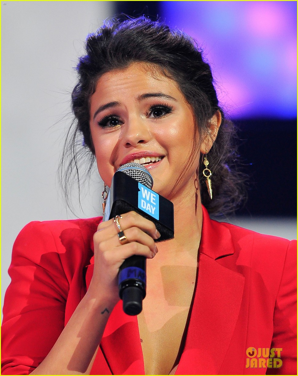 selena gomez gives inspiring speech at we day 013079242