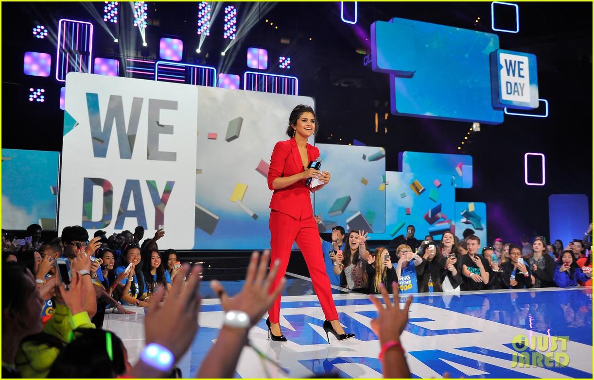 selena gomez gives inspiring speech at we day 033079244