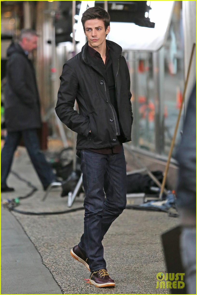 grant gustin begins filming the flash 073066479